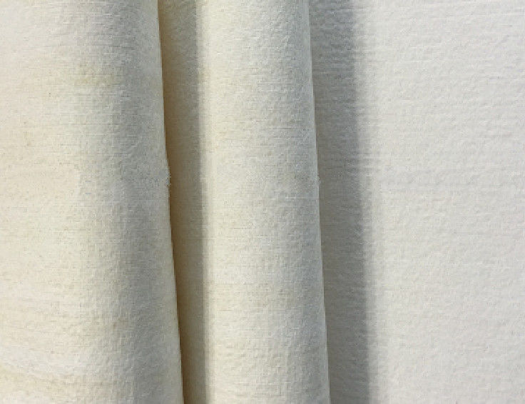 Non Woven Needle Felt Filter Cloth 550g / M2 With Calendering One Side Finishing