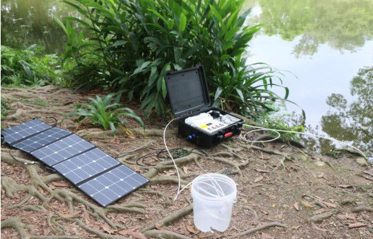 Compact Portable Solar Water Purifier Suitcase Style DC12V DC24V Water Filtering System